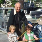 Terry Farmer victoria hotel founder with his Grandchildren